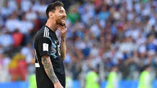 Messi bị ám ảnh bởi Ronaldo - Bóng Đá