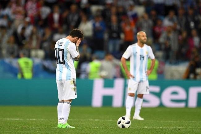 Mascherano: Sự sụp đổ của một tượng đài bóng đá Argentina - Bóng Đá