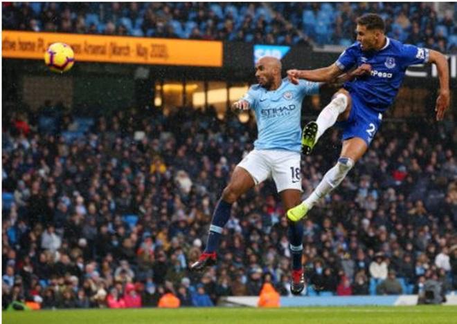 Jesus cú đúp bàn thắng, Sane cú đúp kiến tạo; Man City