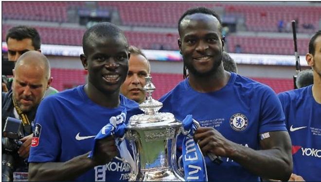 Góc Chelsea: Moses đã