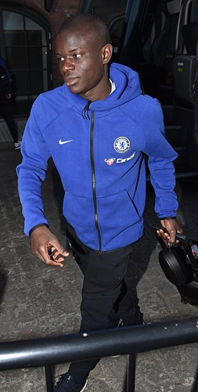 Liverpool và Chelsea đến khách sạn chuẩn bị đại chiến - Bóng Đá