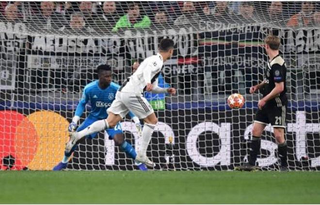 TRỰC TIẾP Juventus 1-1 Ajax: Van de Beek gỡ hòa (H1) - Bóng Đá