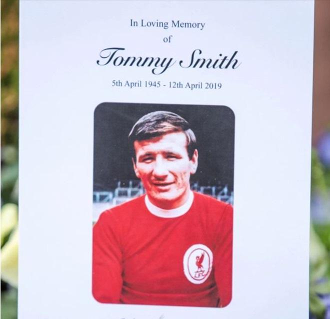 Khung cảnh tang lễ cựu huyền thoại Liverpool, Tommy Smith  - Bóng Đá