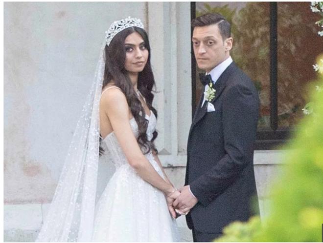 Hình ảnh đám cưới của Mesut Ozil (The Sun) - Bóng Đá