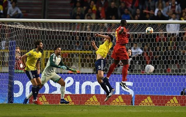 ảnh sau trận Bỉ vs Iceland - Bóng Đá