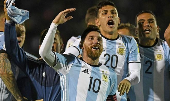 Vì sao Messi thành công ở cấp CLB nhưng