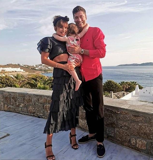 Bernardo Silva và dàn sao NHA tận hưởng kỳ nghỉ (Daily Mail) - Bóng Đá