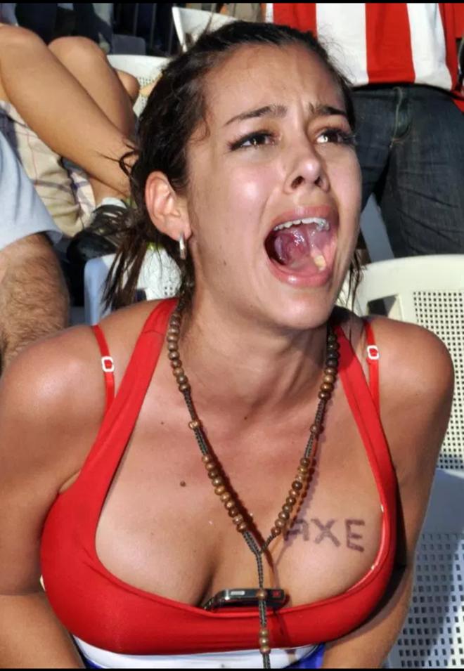 Gặp gỡ nữ CĐV quyến rũ nhất Paraguay, Larissa Riquelme (The Sun) - Bóng Đá