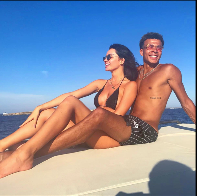 Dele Alli whisks Ruby Mae off for romantic holiday in Mykonos after pair sparked rumours they were back together - Bóng Đá