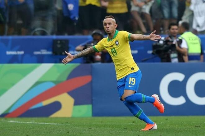 Everton Soares liệu có phù hợp với Arsenal? - Bóng Đá
