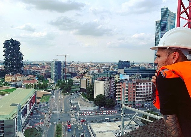 My new home is coming': Inter Milan outcast Mauro Icardi hints he'll stay put as he oversees construction of apartment after turning down MU - Bóng Đá