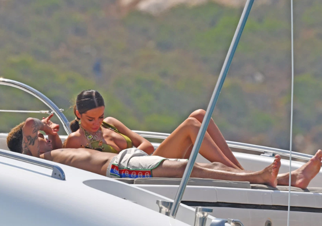 Footballers' yachts: Ronaldo, Pochettino, Alli and more have hired boats on holiday, but which one was the most expensive? - Bóng Đá