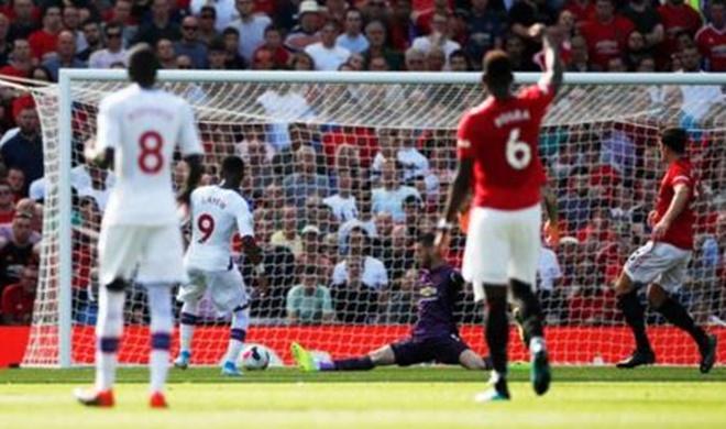 Ảnh các cầu thủ Man United đến sân tập - Bóng Đá