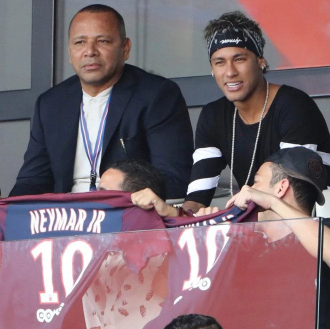 FRIENDS WITH BENEFITS Inside Neymar's entourage, where you can earn around £10k-per-month, have access to exclusive celeb parties and can mingle with the stars - Bóng Đá