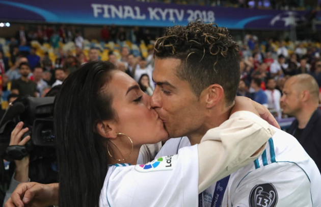How Cristiano Ronaldo's girlfriend Georgina Rodriguez went from £250-a-week shop girl to mother of his four kids - Bóng Đá