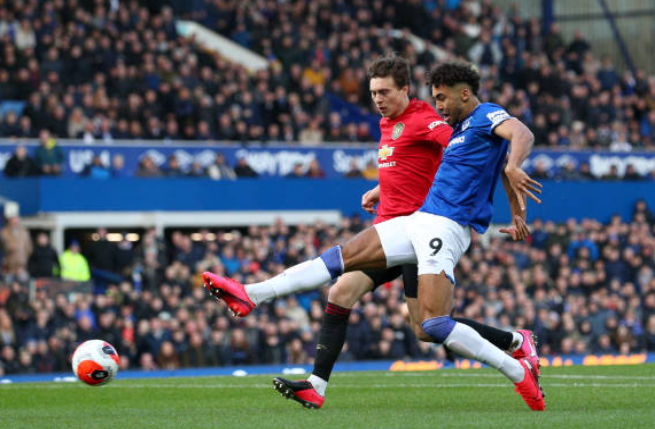 TRỰC TIẾP Everton 1-0 Man United: De Gea mắ.c sai lầ.m ngớ. ngẩn (H1) - Bó.ng Đá.