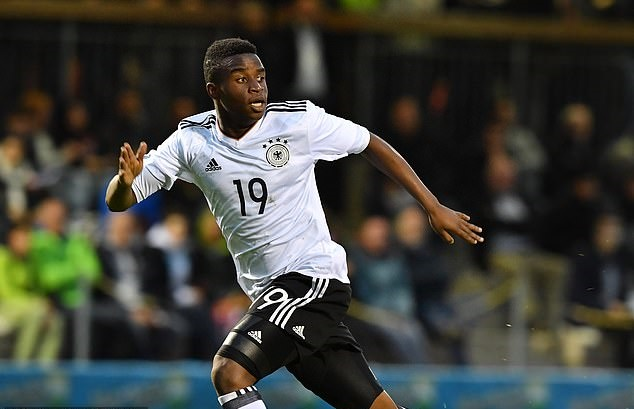 Youssoufa Moukoko is the 15-year-old hotshot breaking records with a €10m Nike deal - Bóng Đá