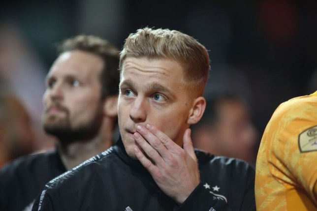 Manchester United launch hijack of Real Madrid's transfer for Donny van de Beek - Bóng Đá