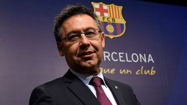 Six Barcelona board members resign as they question the club's direction - Bóng Đá
