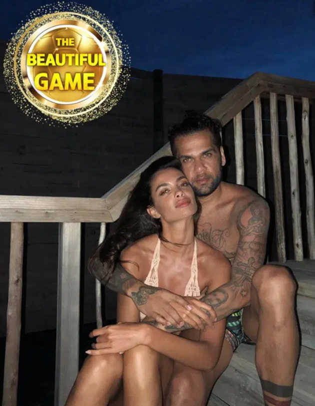 Dani Alves supermodel wife Joana Sanz turned down TWO proposals before their secret fancy Ibiza wedding - Bóng Đá