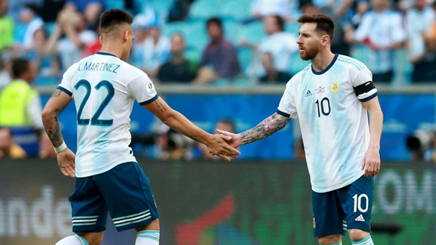 'It seems easy but it is not' - Saviola warns Lautaro over challenges of playing with Messi - Bóng Đá