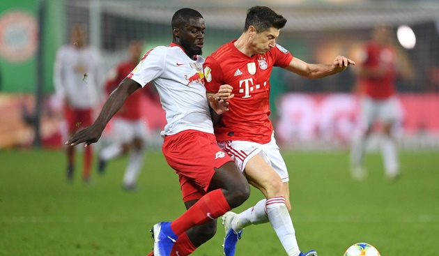 Dayot Upamecano: Why Man Utd and Man City are eyeing RB Leipzig defender - Bóng Đá