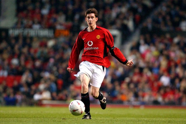 Gary Neville and Roy Keane personally negotiated contract with Sir Alex Ferguson for Manchester United youth star - Bóng Đá