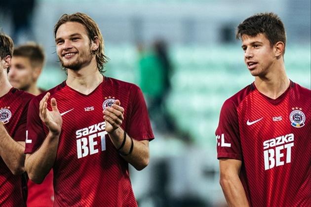 Adam Hlozek: Europe's biggest clubs queuing up to sign Czech teen sensation - Bóng Đá