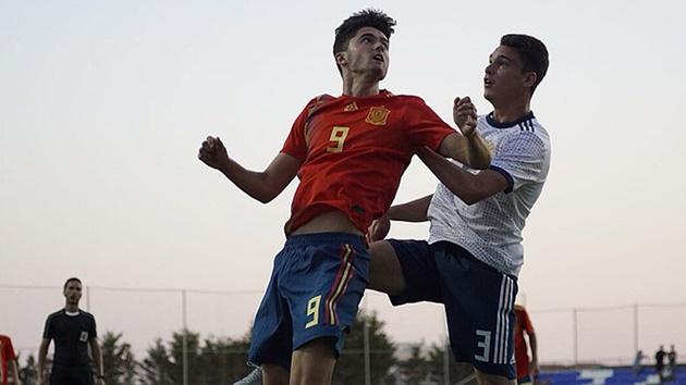 Jordi Escobar: The 'Spanish Lewandowski' who left Barcelona behind - Bóng Đá