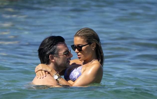 Rafael van der Vaart's supermodel ex-wife Sylvie Meis stuns in tiny bikini during Saint-Tropez break with fiance - Bóng Đá