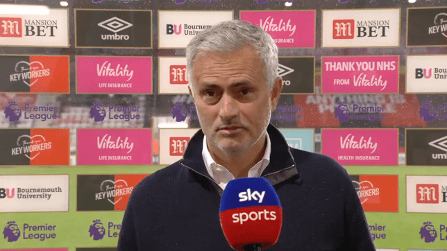 Jose Mourinho says Michael Oliver was Bournemouth's Man of the Match vs Tottenham and slams penalty non-call - Bóng Đá