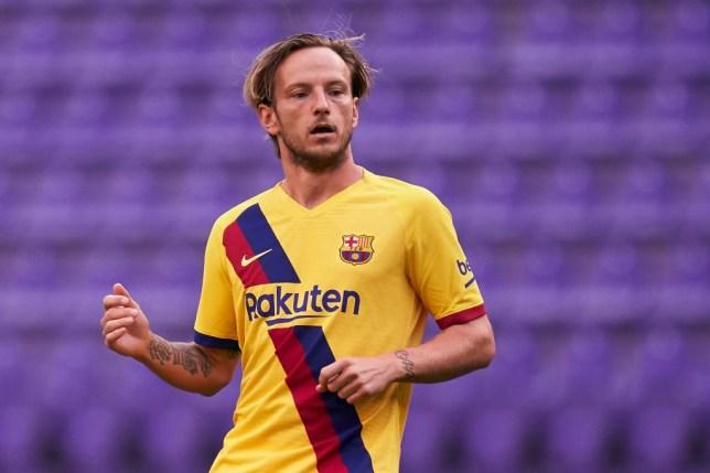 Mikel Arteta contacts Barcelona midfielder Ivan Rakitic over Arsenal transfer - Bóng Đá