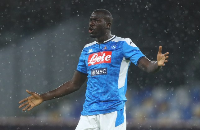 Rio Ferdinand identifies the 'problem' with Chelsea signing Kalidou Koulibaly - Bóng Đá
