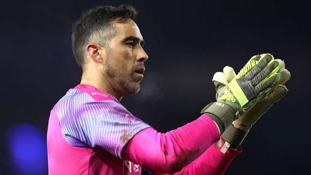 Man City goalkeeper Claudio Bravo set to sign for Real Betis - Bóng Đá