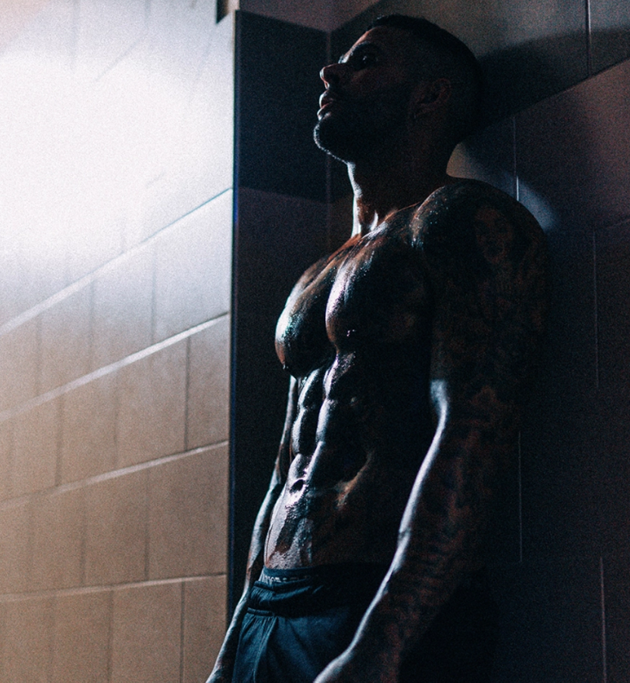 Meet Britain's most ripped footballer Leon Scott, who juggles a pro career while modelling for JD Sport and Footasylum - Bóng Đá