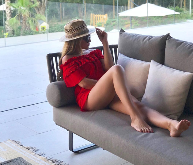 Liverpool target Thiago Alcantara's Wag Julia Vigas is a hotel owner - Bóng Đá