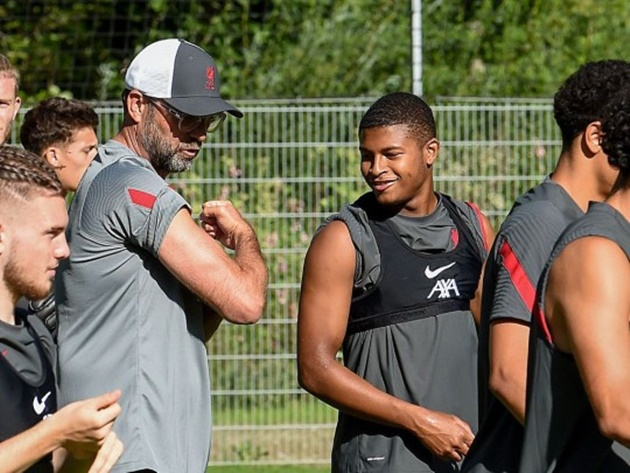 Crystal Palace chairman rubbishes reports of £25m deal with Liverpool for Rhian Brewster - Bóng Đá