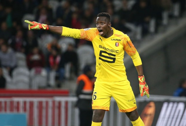John Barnes explains why new Chelsea signing Edouard Mendy won't put pressure on Kepa Arrizabalaga - Bóng Đá
