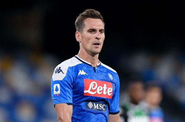 Manchester United in talks to sign Napoli striker Arkadiusz Milik ahead of Tottenham - Bóng Đá