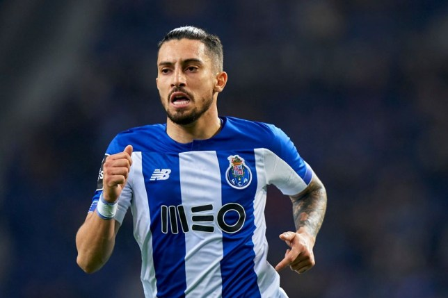Manchester United have placed a £12million bid for Porto defender Alex Telles. - Bóng Đá