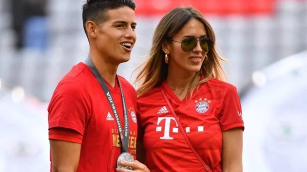 James Rodriguez's girlfriend Shannon De Lima tops up her tan in Spain after choosing not to join Everton ace in England - Bóng Đá