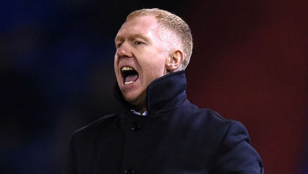 Man Utd legend Scholes takes charge of Salford as Neville & Class of '92 sack Alexander - Bóng Đá