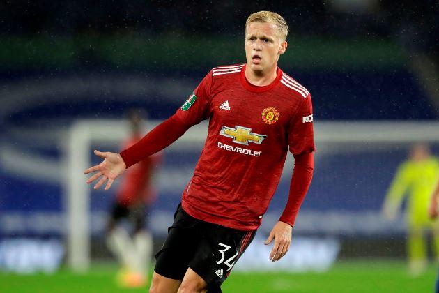 'I don't understand it': Jamie Carragher baffled by Manchester United's decision to sign Donny van de Beek - Bóng Đá