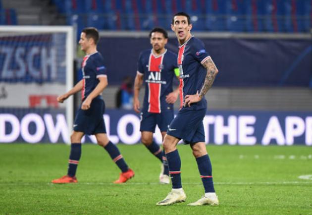 PSG điên cuồng lao lên tấn công nhằm tìm kiếm bàn thắng ở quãng thời gian còn lại nhưng bất thành.