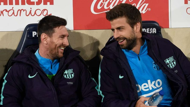 'There is always hope' – Pique urges Messi to stay at Barcelona - Bóng Đá