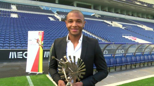 Yacine Brahimi: 5 Things to Know About the Free Agent & Arsenal Target - Bóng Đá
