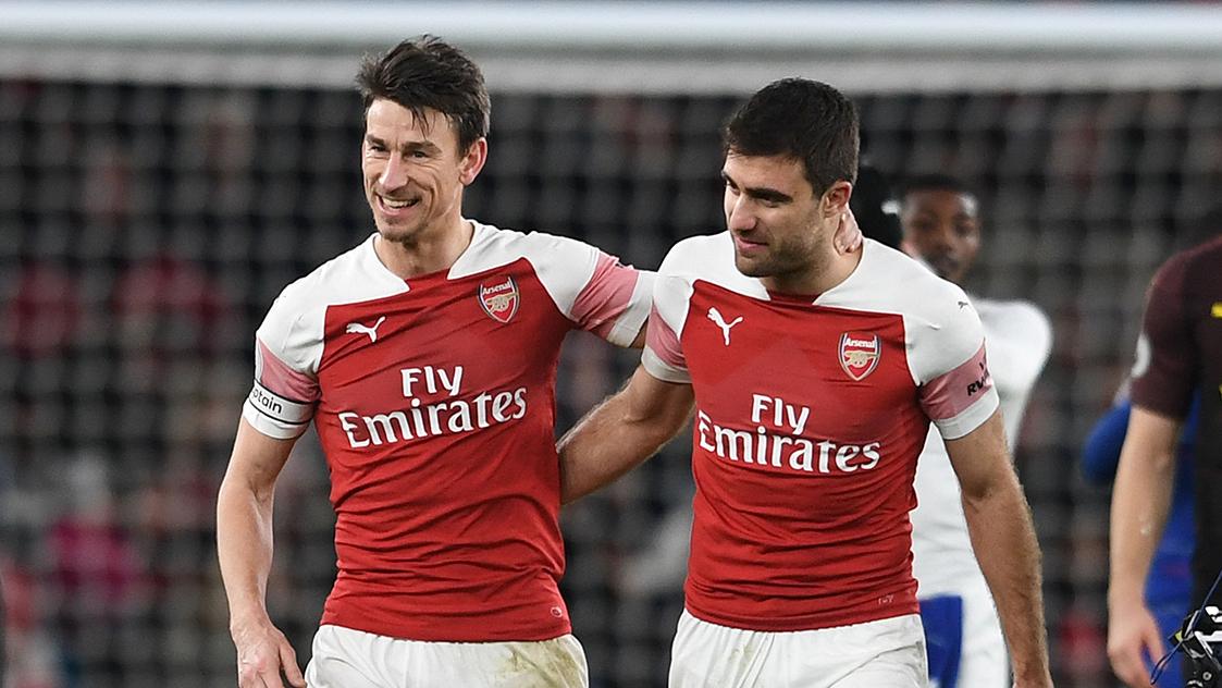 Arsenal legend Winterburn: Defence needs strengthening - Bóng Đá