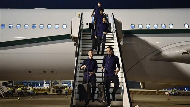 Dàn 'soái ca' Juventus thu hút mọi ánh nhìn tại sân bay Doha