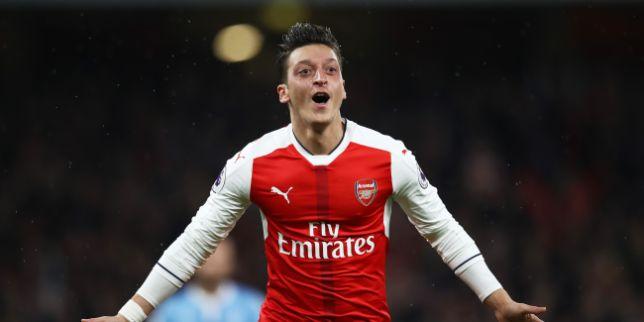 Oezil bất ngờ đòi mặc áo số 10 tại Arsenal - Bóng Đá