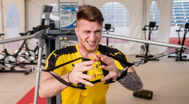 'Soái ca' Reus một mình nhăn nhó trong phòng tập của Dortmund - Bóng Đá